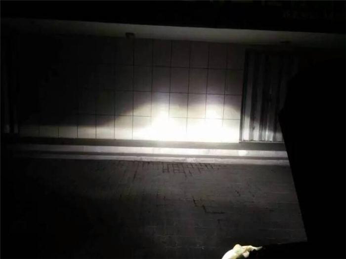 本田CRV车灯改装阿帕6套装改后照墙远光效果