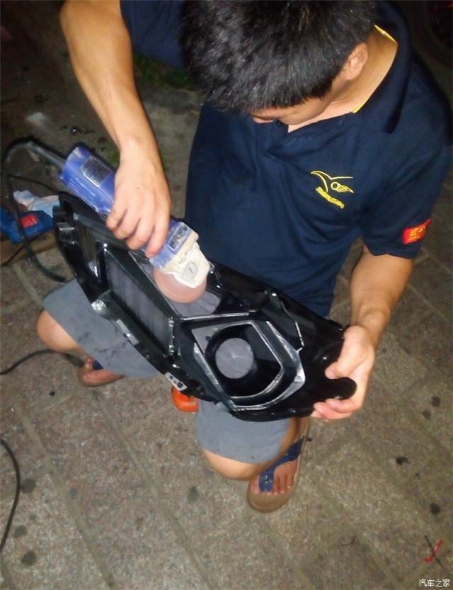 调整阿帕6S透镜的安装位置