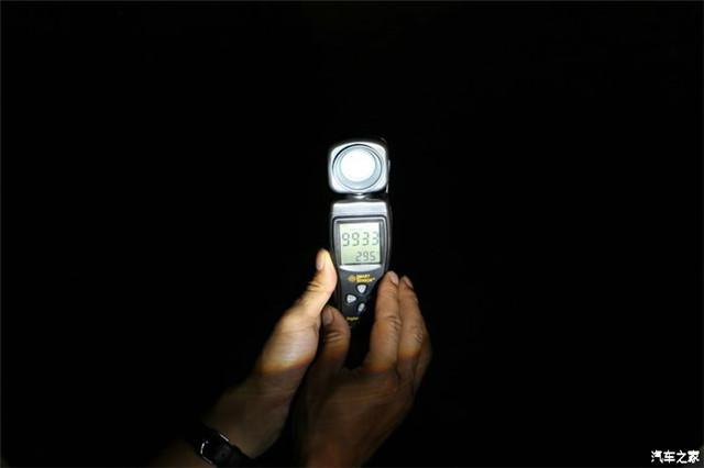 阿帕6S的光线亮度流明值