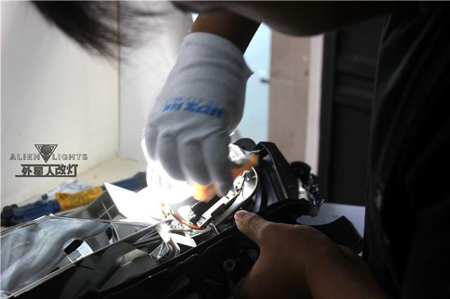 日产蓝鸟车灯改装-阿帕6套装 灯泡测试过程