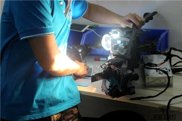 日产蓝鸟车灯改装-阿帕6套装 灯泡微调过程