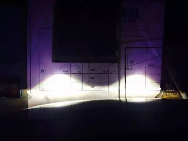 马自达睿翼车灯改装阿帕5-升级后的远光效果