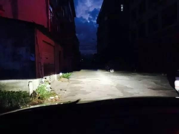 马自达睿翼车灯改装阿帕5-升级后的近光照路效果