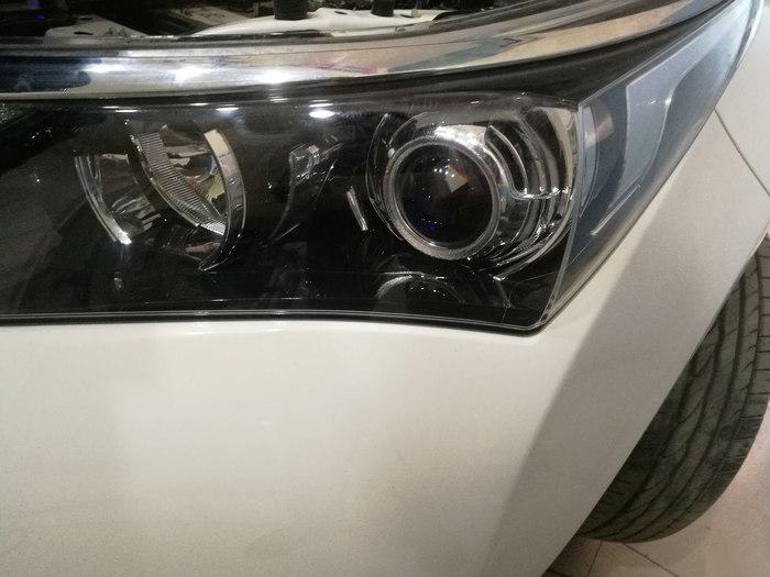17款卡罗拉车灯升级后的大灯效果图