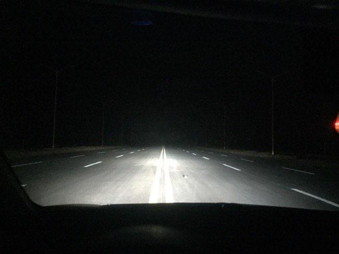 卡罗拉车灯升级阿帕疝气灯,近光效果