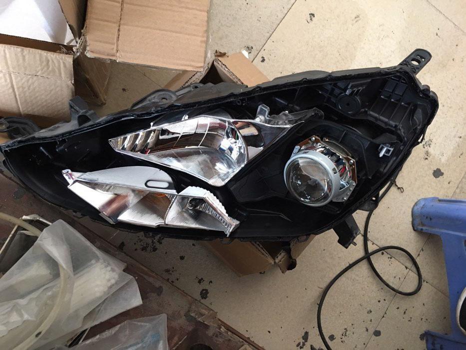 轩逸车灯改装阿帕征服者S氙气大灯,安装好新透镜