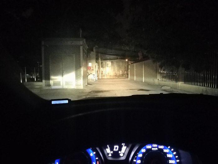 现代朗动车灯改装后的远光效果